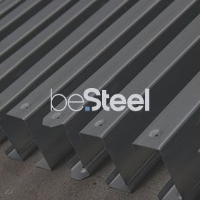 beSteel is the sister company of bePods. It manufactures and sells steel structures for the construction of homes, commercial buildings, extensions, sheds, ... Their website, made by tix02, allows them to find new customers with their online presence.